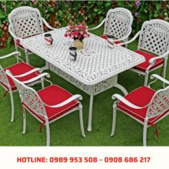 Bộ bàn ghế sân vườn màu trắng